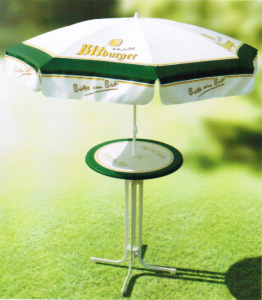 Stehttisch mit Schirm